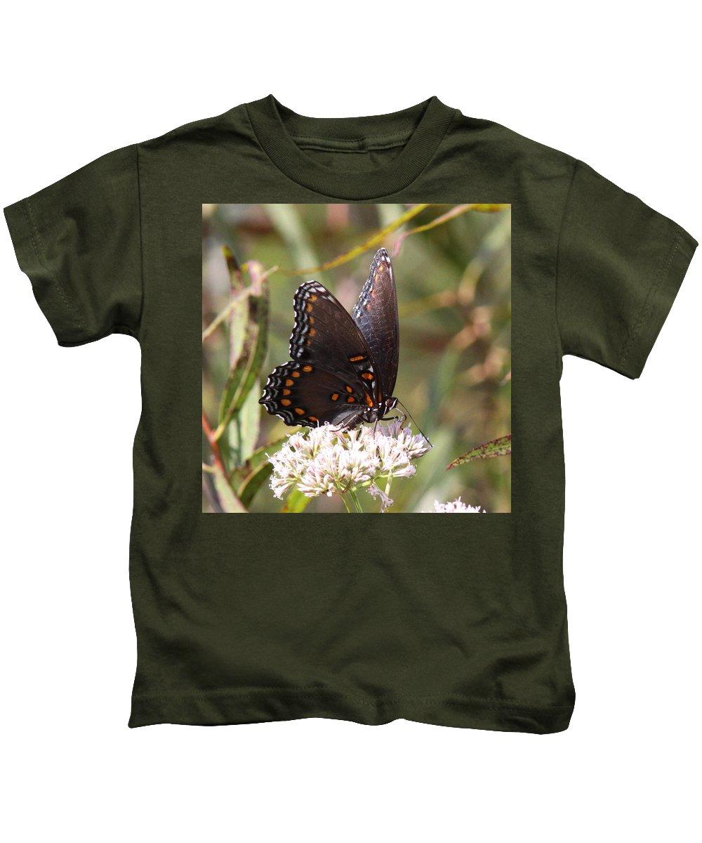 Kids T-Shirt featuring the photograph Big Beauty by Travis Truelove