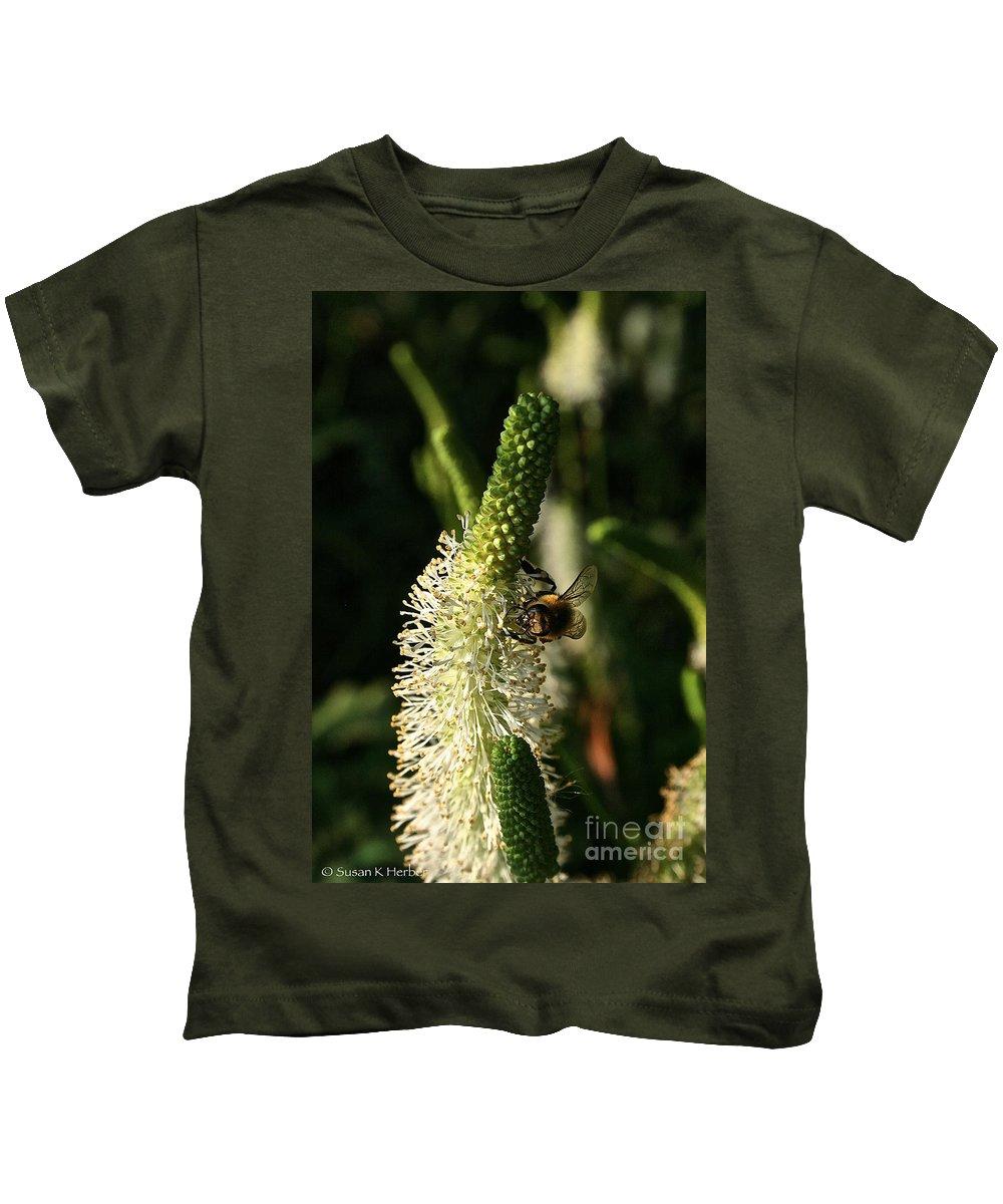 Outdoors Kids T-Shirt featuring the photograph Buzz Buzz by Susan Herber