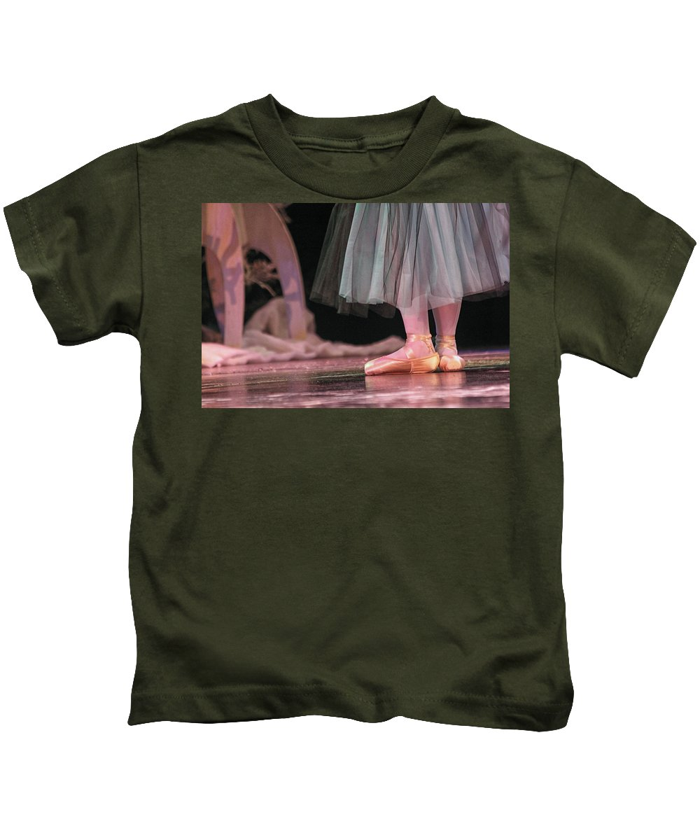 Ballet Kids T-Shirt featuring the photograph Fifth Position by Lauri Novak