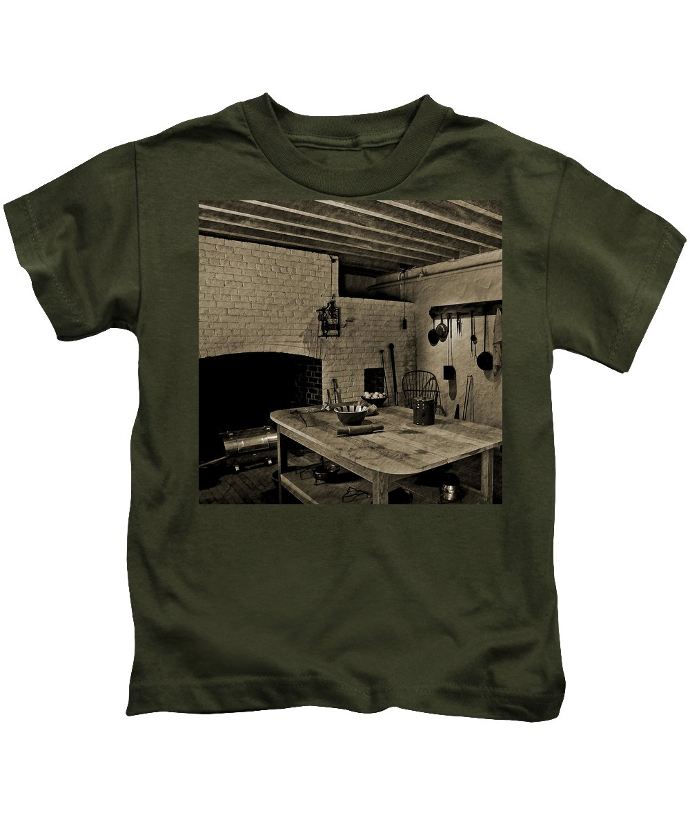 Monticello Kids T-Shirt featuring the photograph Food Prep At The Monticello by DigiArt Diaries by Vicky B Fuller