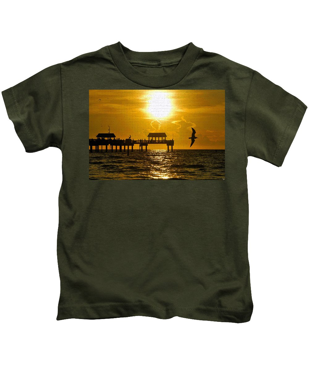 Fine At Photography Kids T-Shirt featuring the photograph Full Summer by David Lee Thompson
