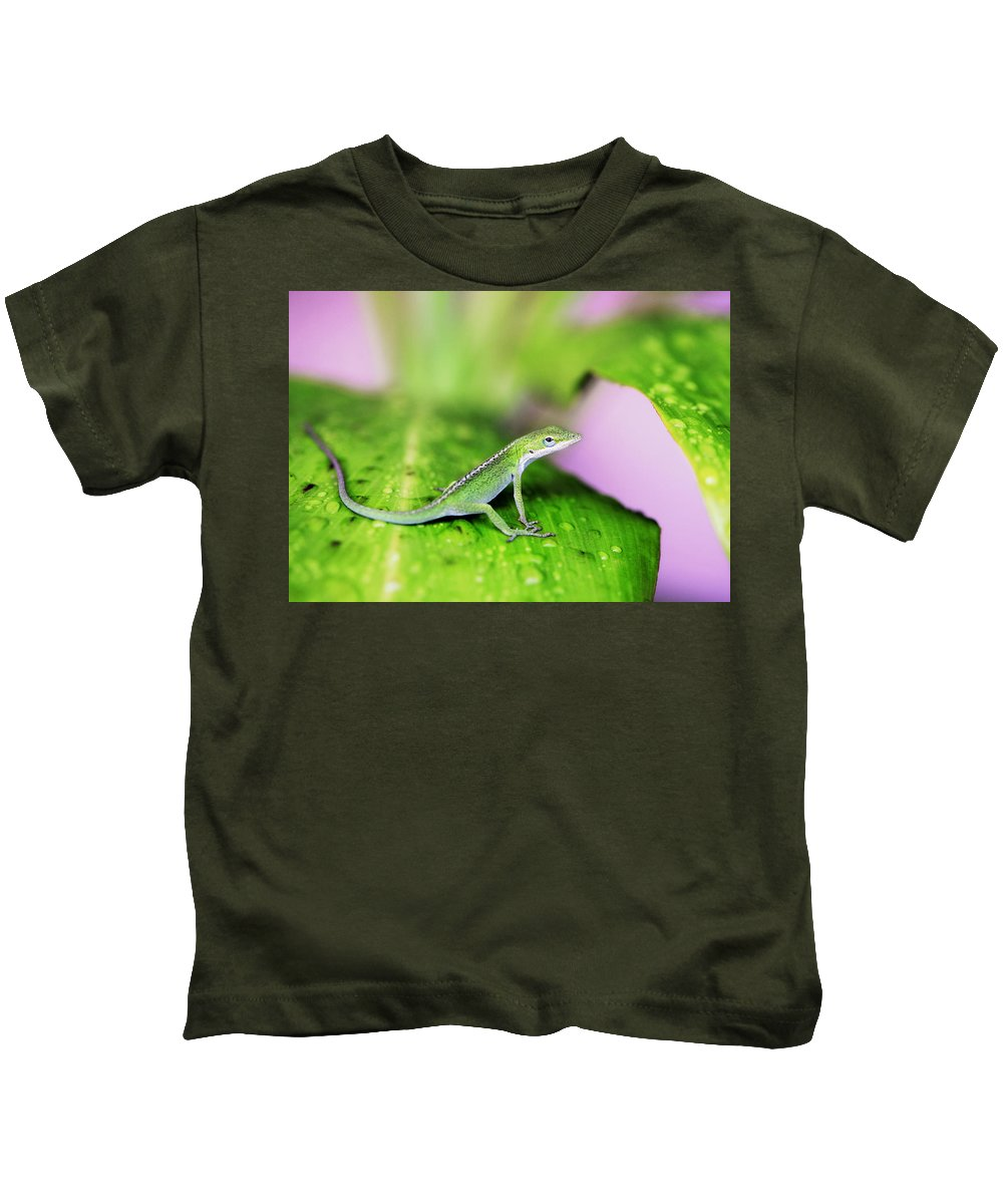 Lizard Kids T-Shirt featuring the photograph Good To Be Green by Marilyn Hunt