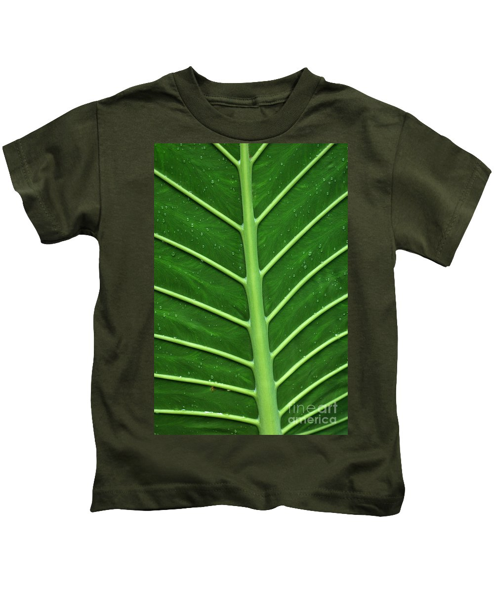 Green Kids T-Shirt featuring the photograph Green Veiny Leaf 1 by Mike Nellums