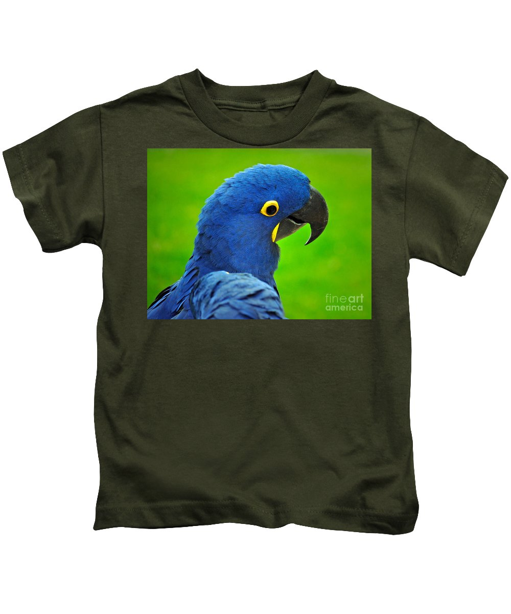 Macaw Kids T-Shirt featuring the photograph Hyacinth Macaw by Gwyn Newcombe