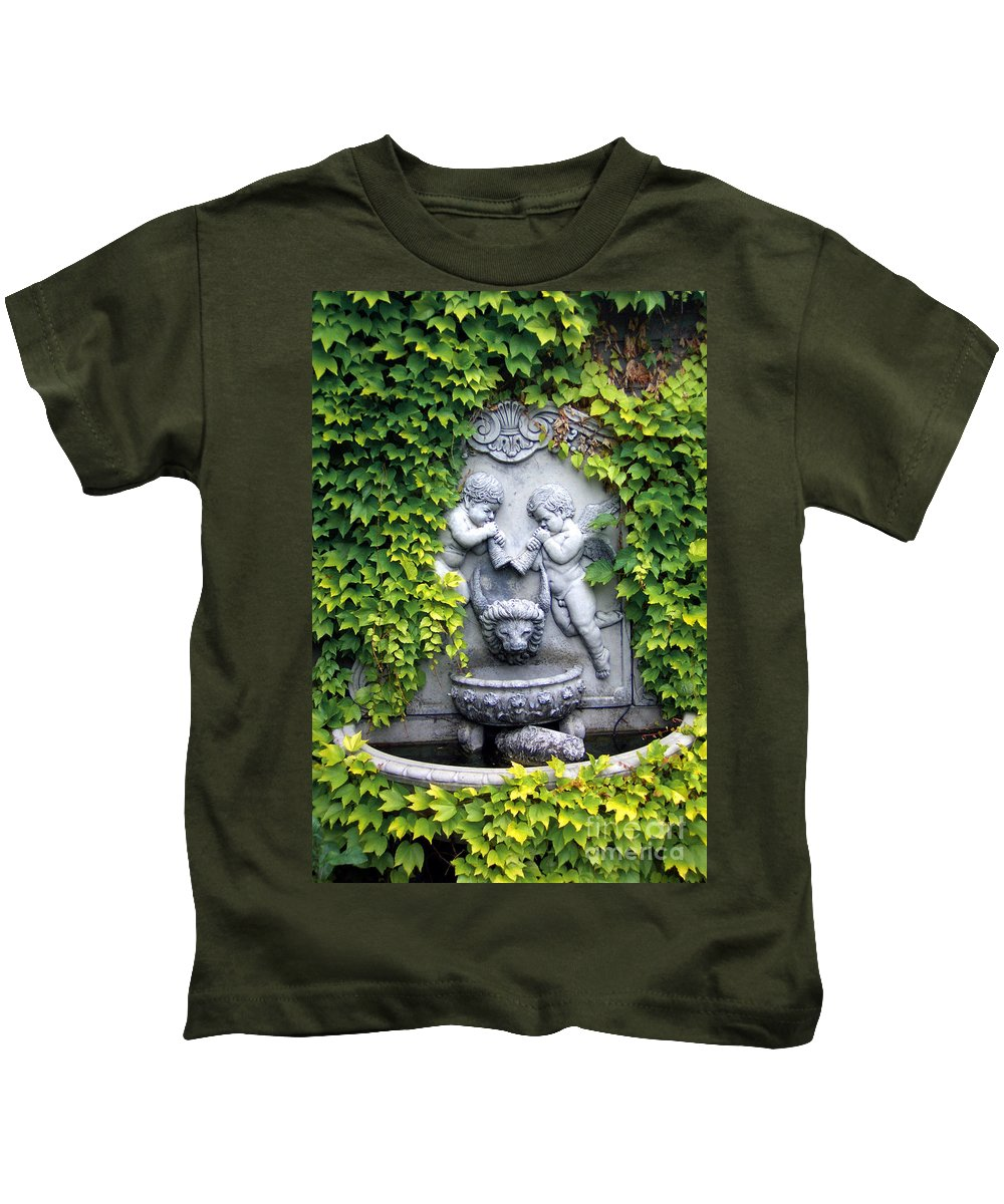 Ivy Kids T-Shirt featuring the photograph Ivy Cherubs by Mike Nellums