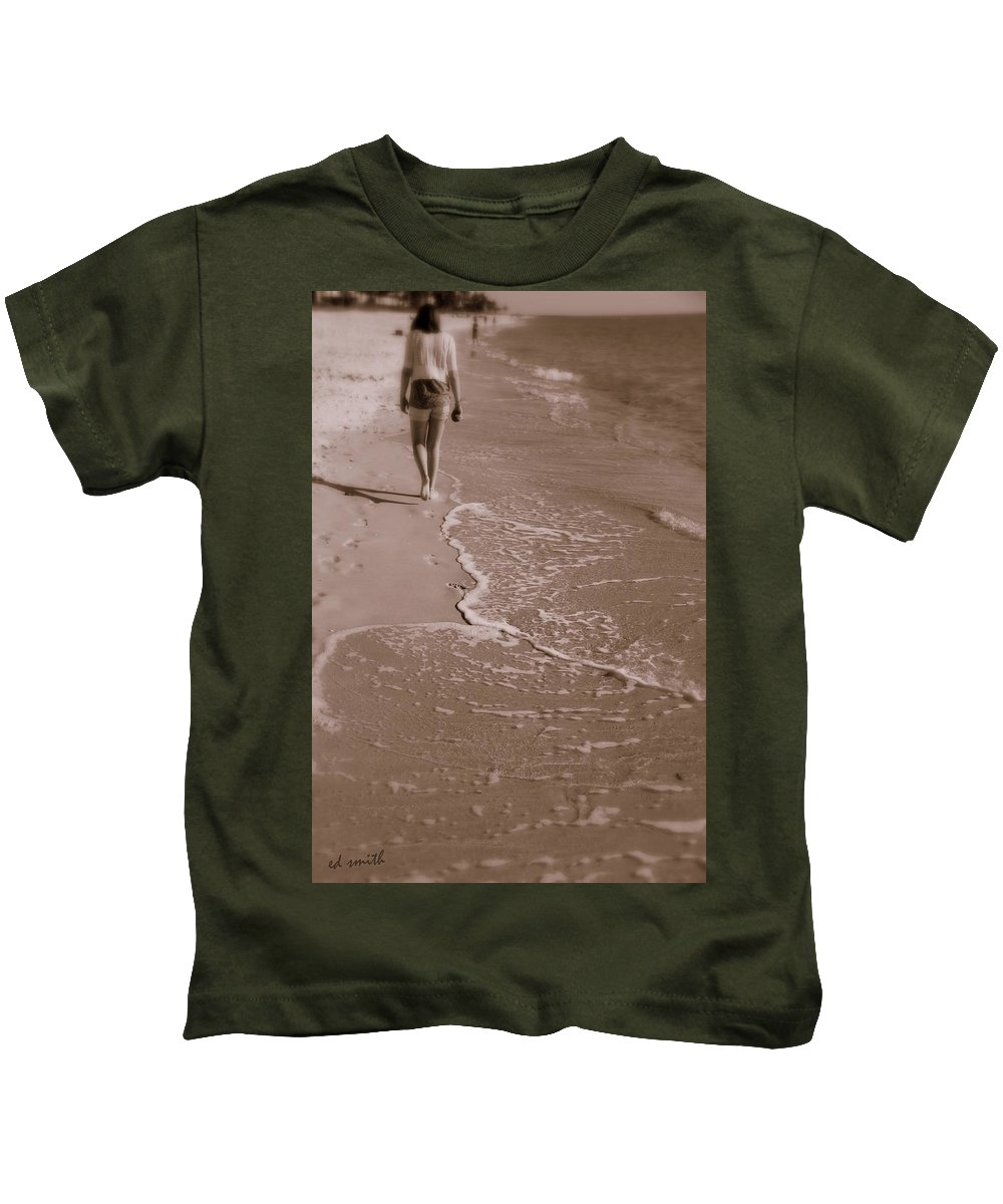 Just Walk Away Kids T-Shirt featuring the photograph Just Walk Away by Edward Smith