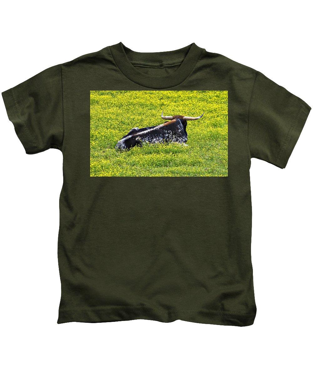 Cattle Kids T-Shirt featuring the photograph Longhorn Bull by Susan Leggett
