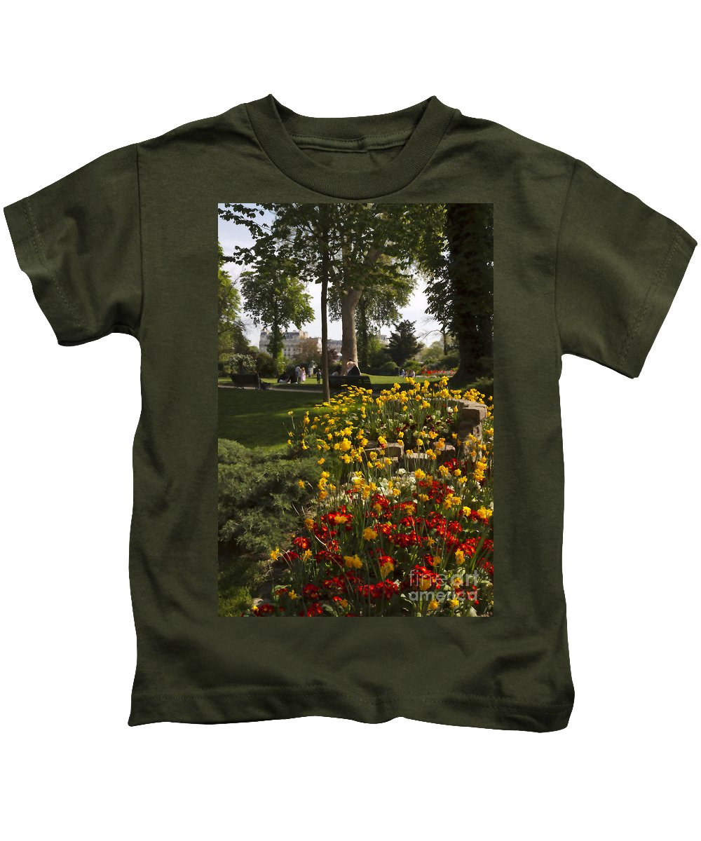 Invalides Kids T-Shirt featuring the photograph Parc Les Invalides In Spring by Louise Heusinkveld