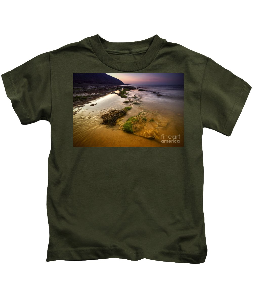 Yhun Suarez Kids T-Shirt featuring the photograph Rising Tides by Yhun Suarez