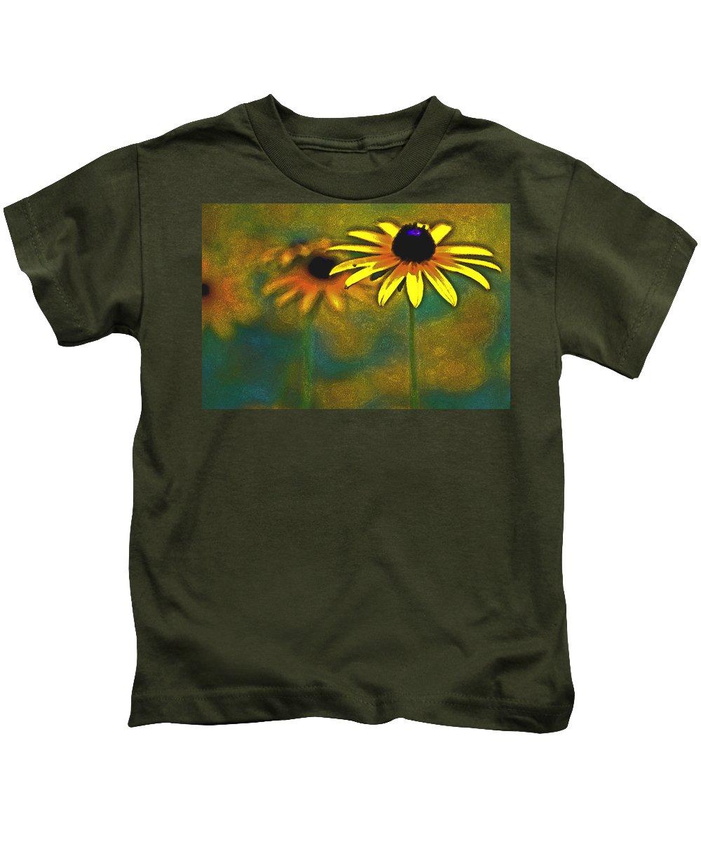Nature Kids T-Shirt featuring the photograph Rudbeckia Hirta by Tom Gari Gallery-Three-Photography