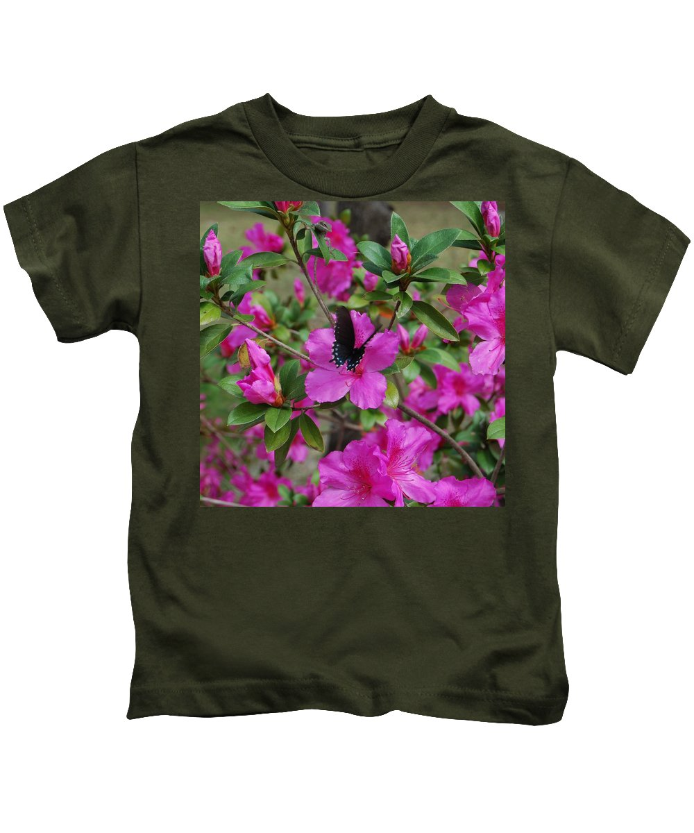 Butterfly Kids T-Shirt featuring the photograph Safe Landing by Judy Hall-Folde
