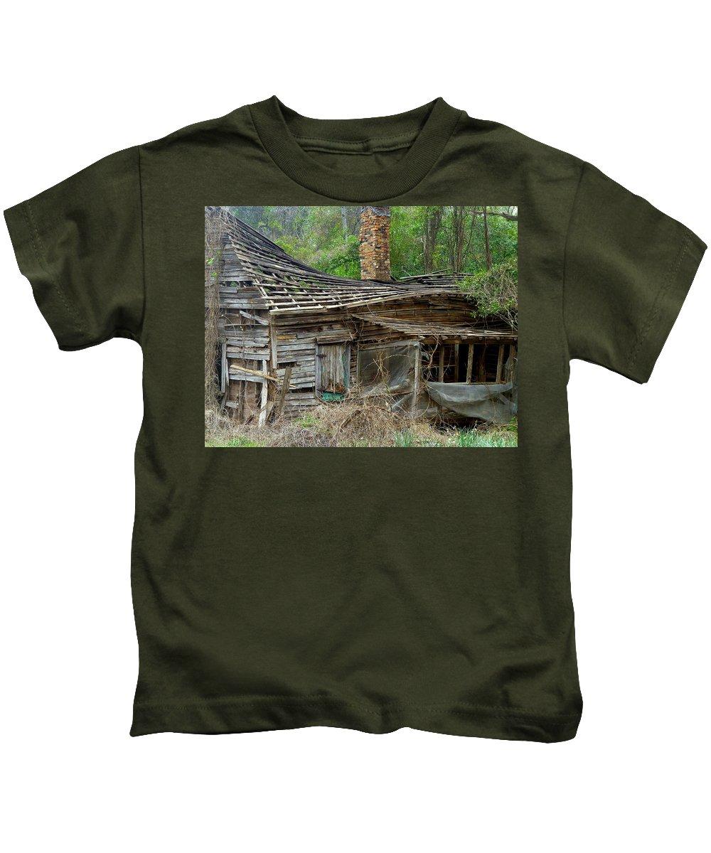 House Kids T-Shirt featuring the photograph Seen Better Days by Carla Parris