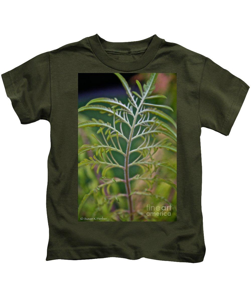 Bush Kids T-Shirt featuring the photograph Sumac Frond by Susan Herber