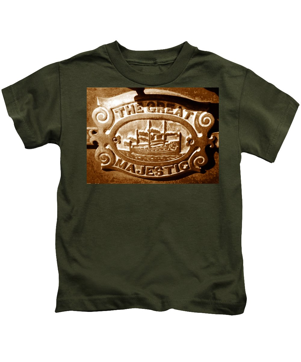 Fine Art Photography Kids T-Shirt featuring the photograph The Great Majestic by David Lee Thompson