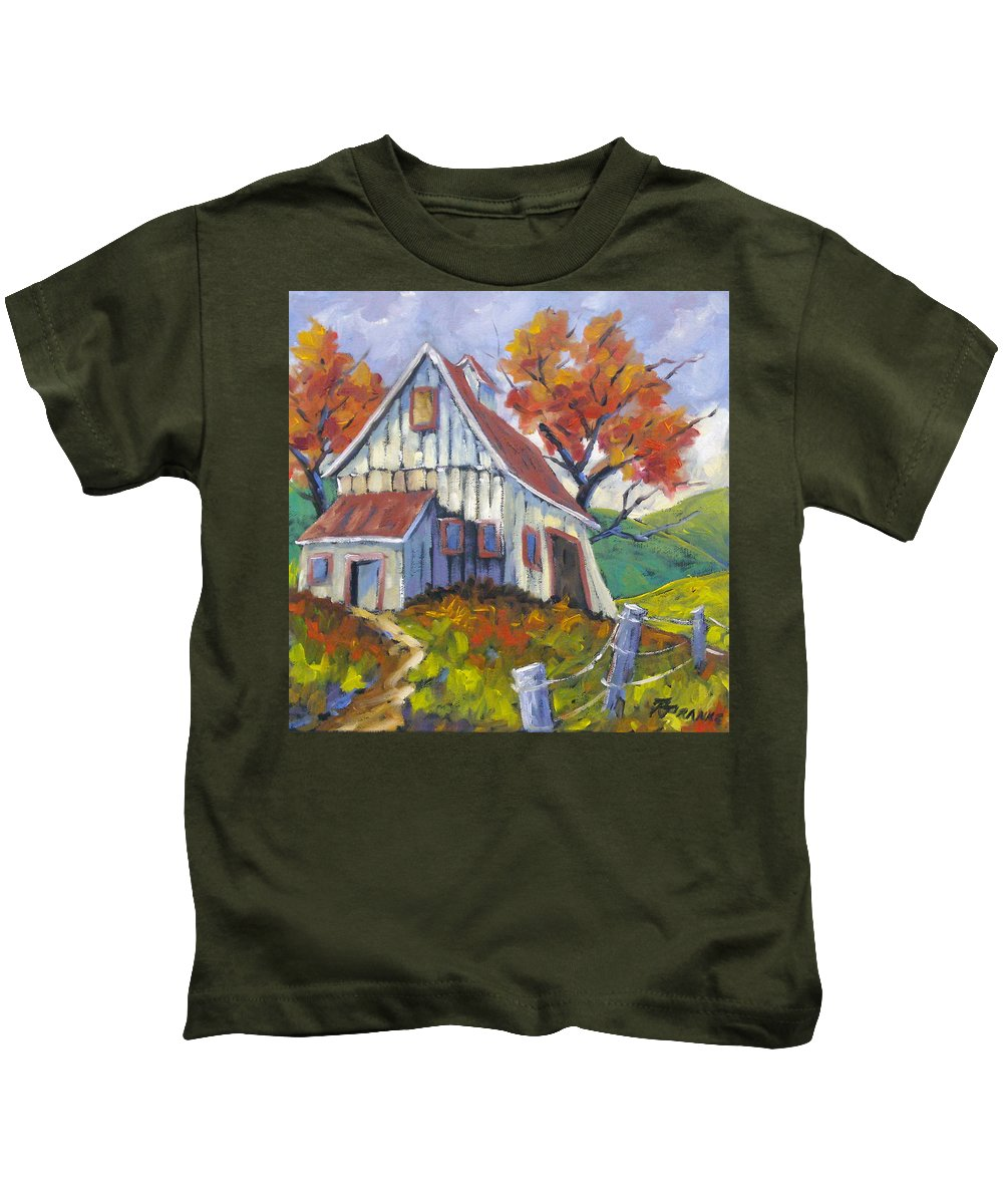 Hill Kids T-Shirt featuring the painting Hillsidebarn by Richard T Pranke