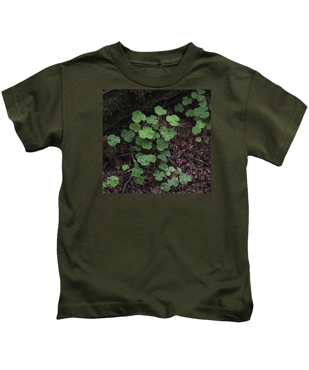 Hoh Kids T-Shirt featuring the photograph Hoh Rain Forest 3393 by Bob Neiman