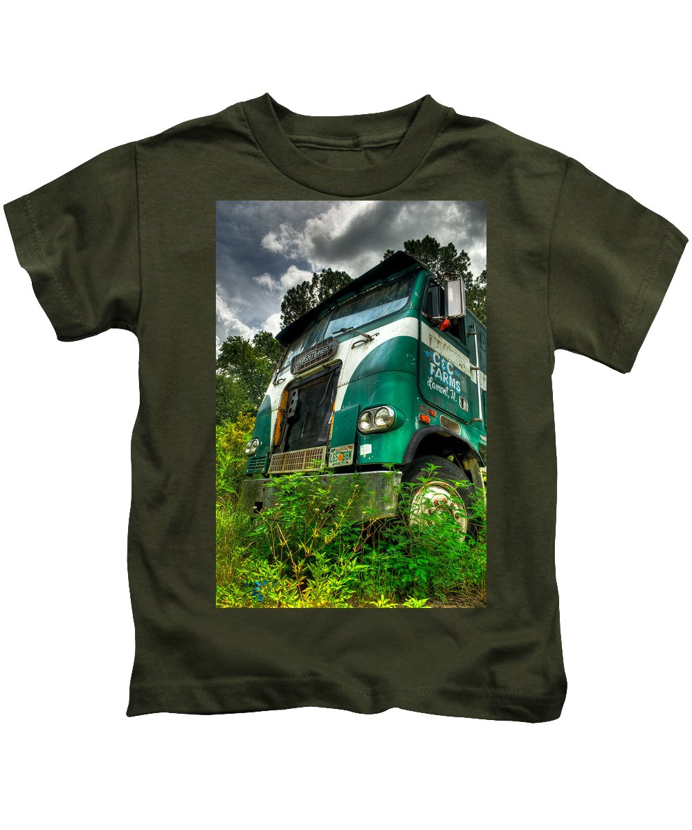 Truck Kids T-Shirt featuring the photograph Rusted And Busted by Rich Leighton