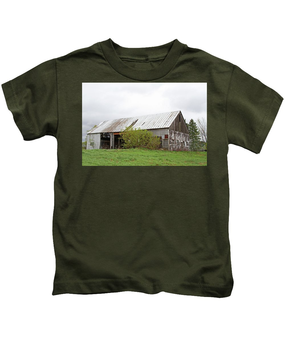 Architecture Kids T-Shirt featuring the photograph Old Weathered Barn by Nadine Mot Mitchell