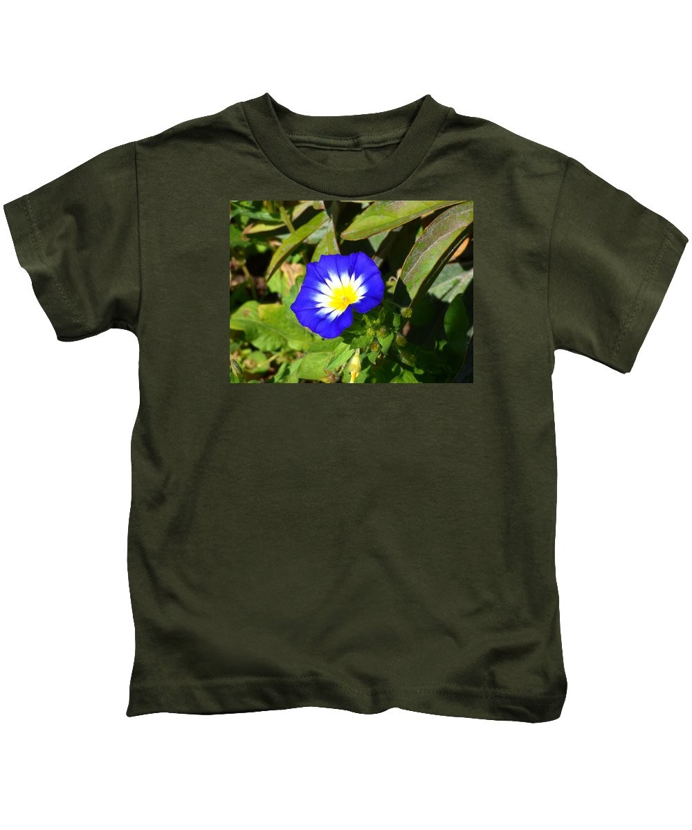 Flower Garden Idaho Photography Kids T-Shirt featuring the photograph Elle Est Jolie by Paul Stanner