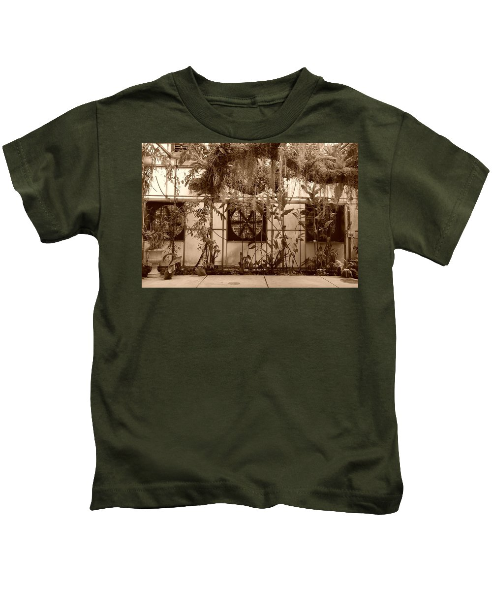 Vent Kids T-Shirt featuring the photograph 3 Fans And Vines by Rob Hans