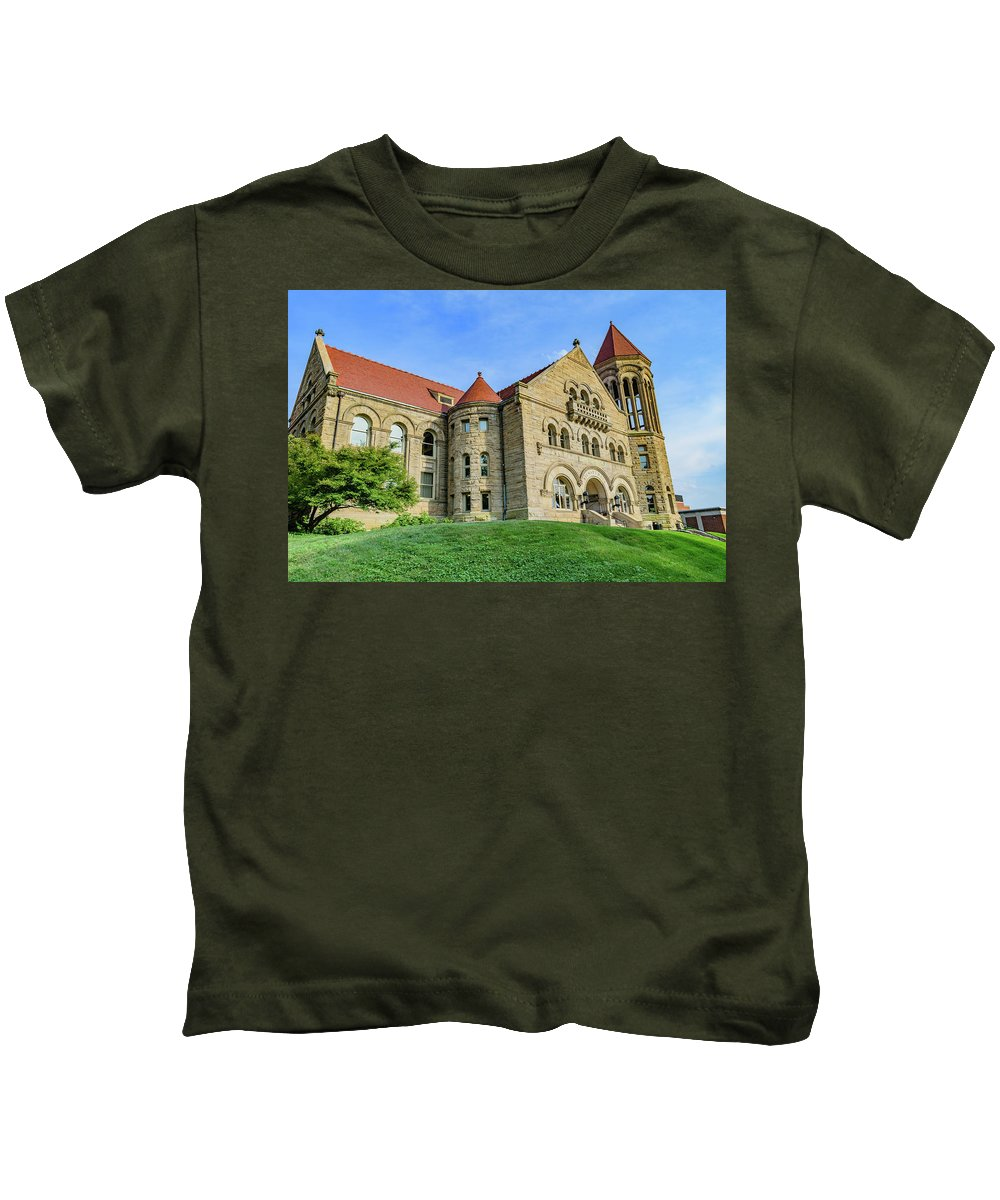Stewart Kids T-Shirt featuring the photograph Stewart Hall At West Virginia University by Cityscape Photography
