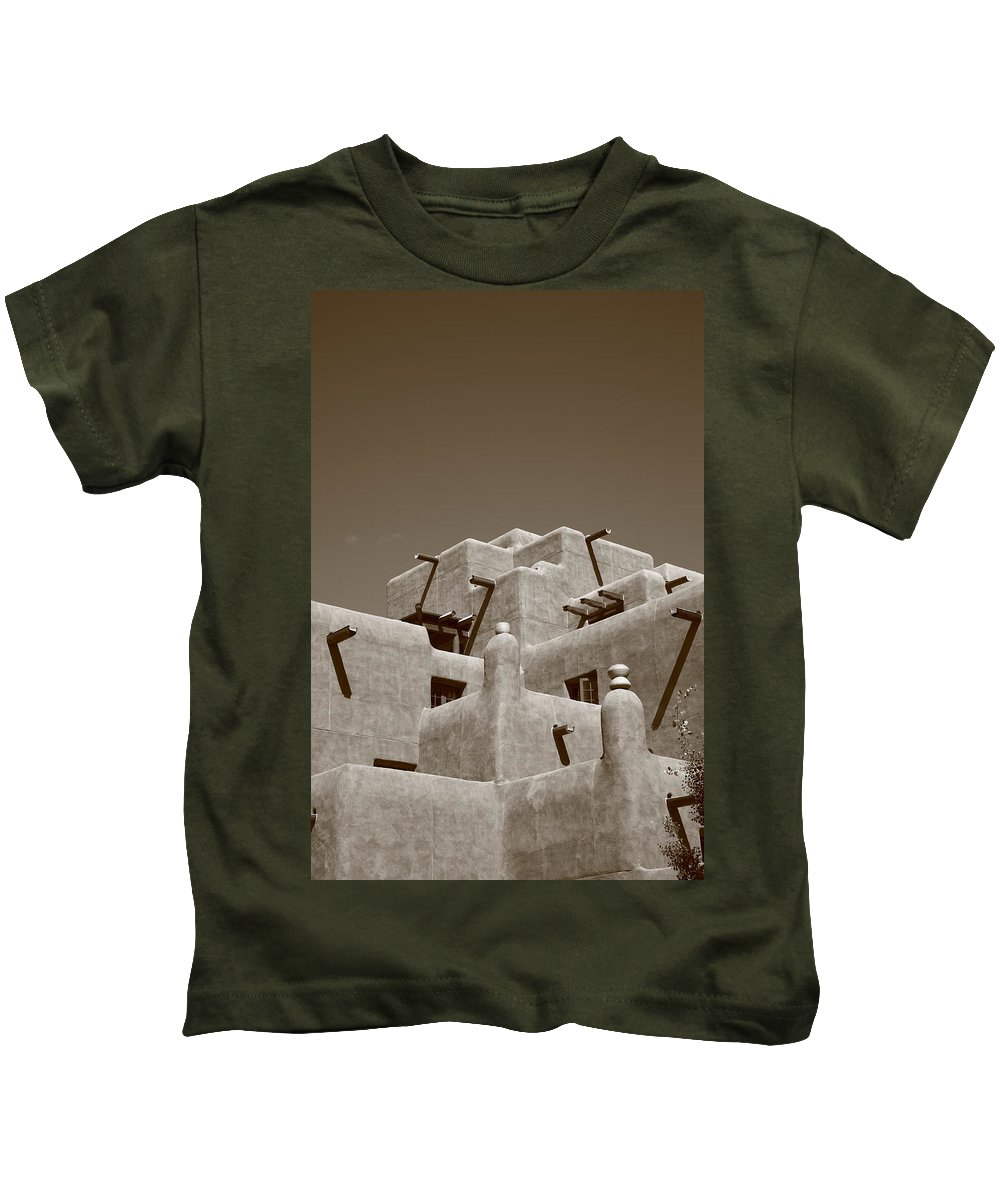 66 Kids T-Shirt featuring the photograph Santa Fe - Adobe Building by Frank Romeo