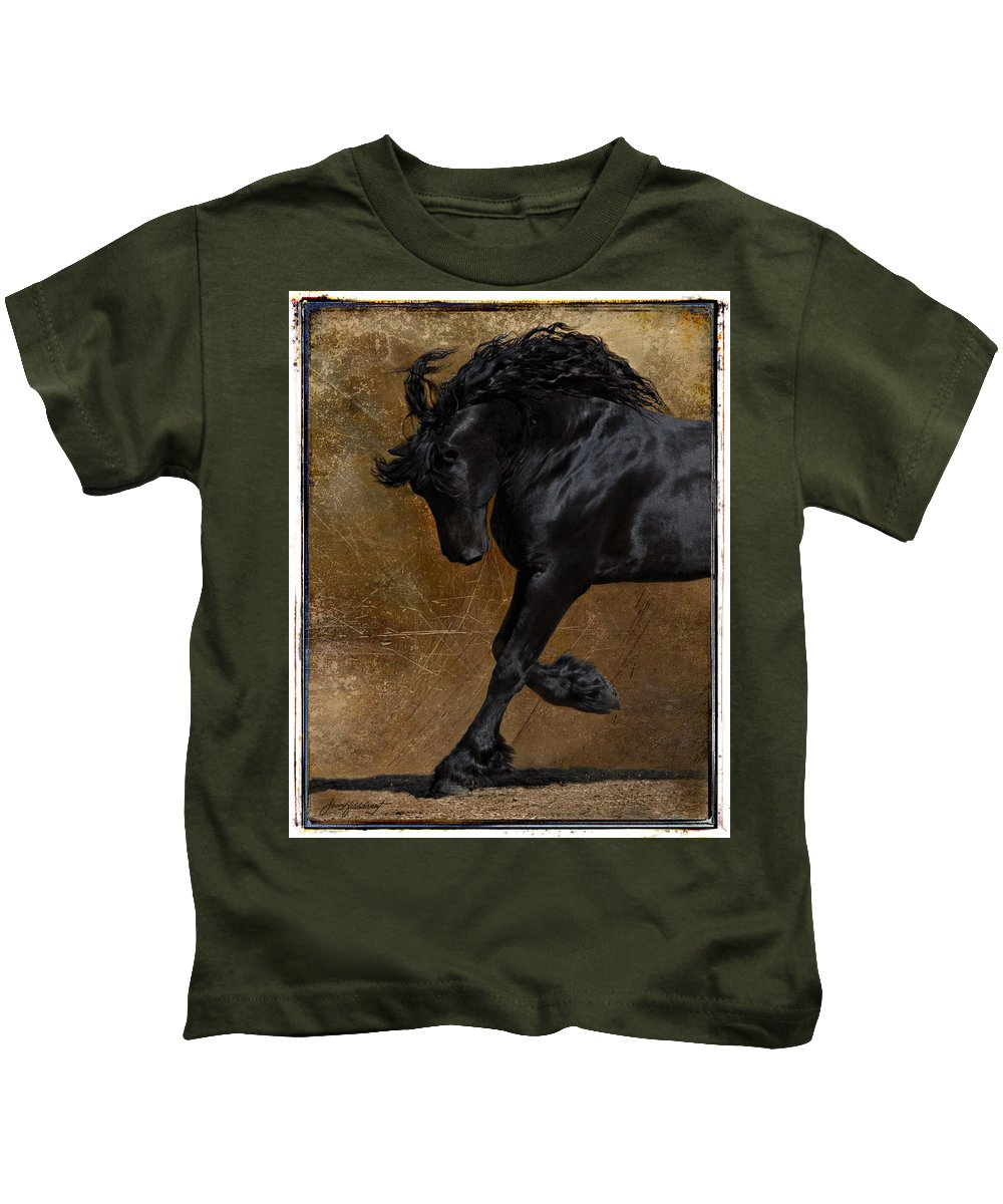 Horse Kids T-Shirt featuring the photograph A Regal Bow by Jean Hildebrant