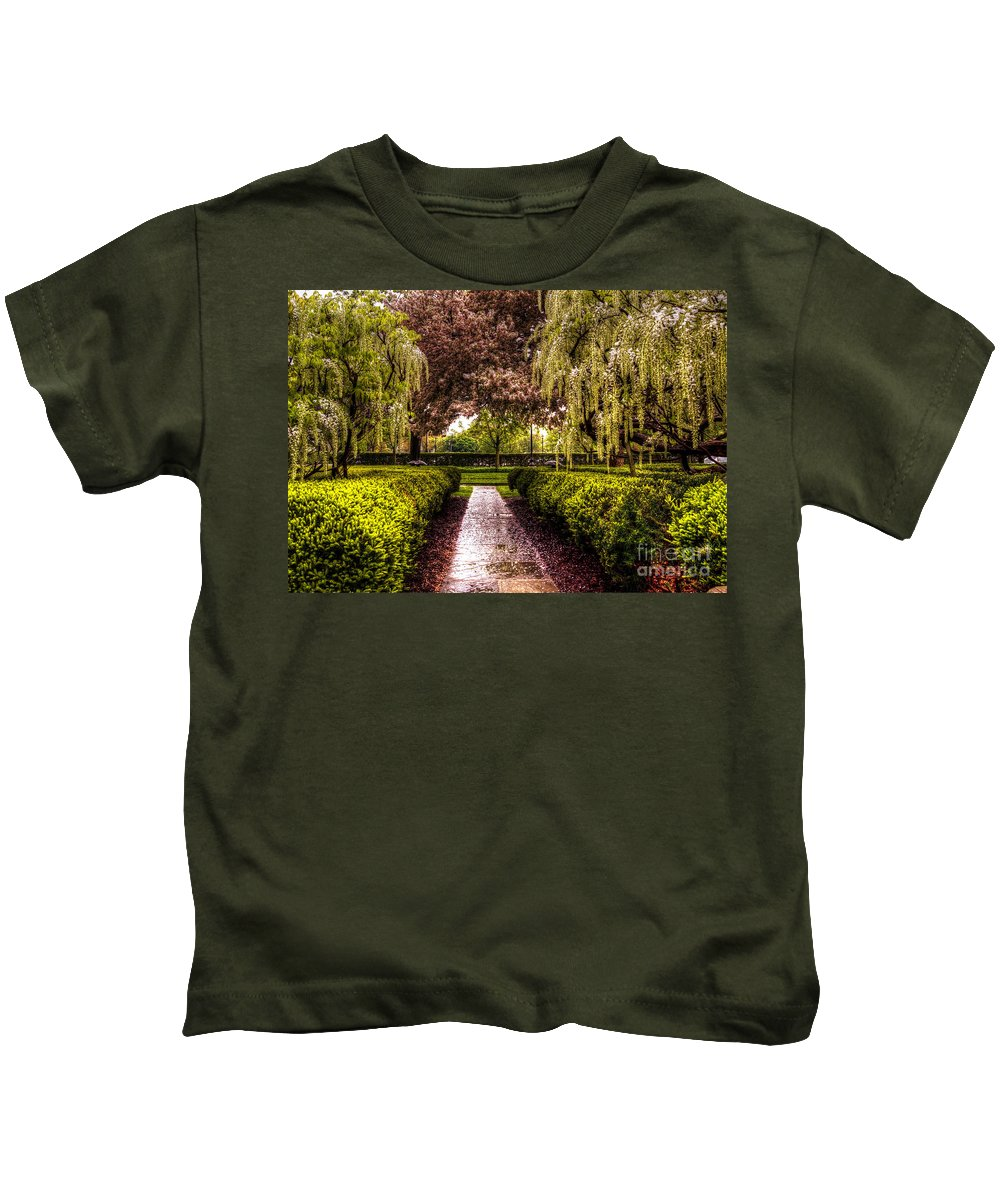 War Memorial Kids T-Shirt featuring the photograph A Walk In The Park by Chris Fleming