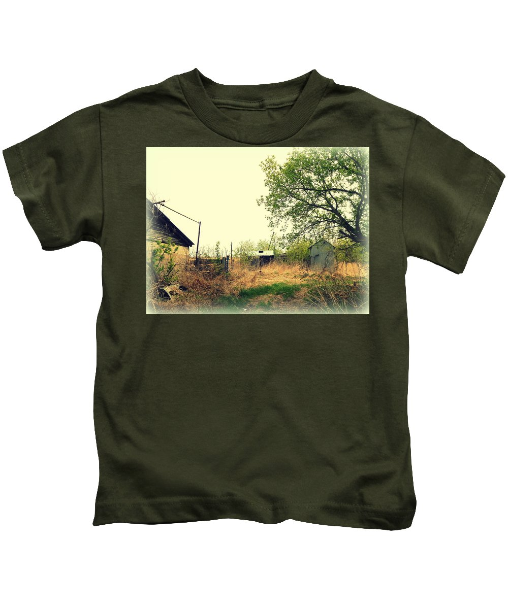 Abandoned Kids T-Shirt featuring the photograph Abandoned Farm Yard by Curtis Tilleraas