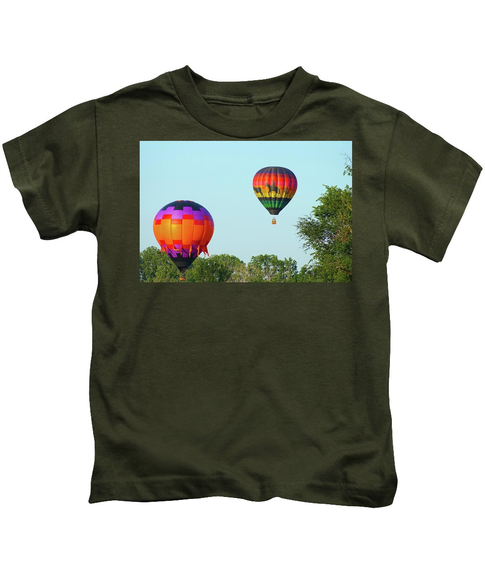 Balloons Kids T-Shirt featuring the photograph Above The Trees by Linda Cupps