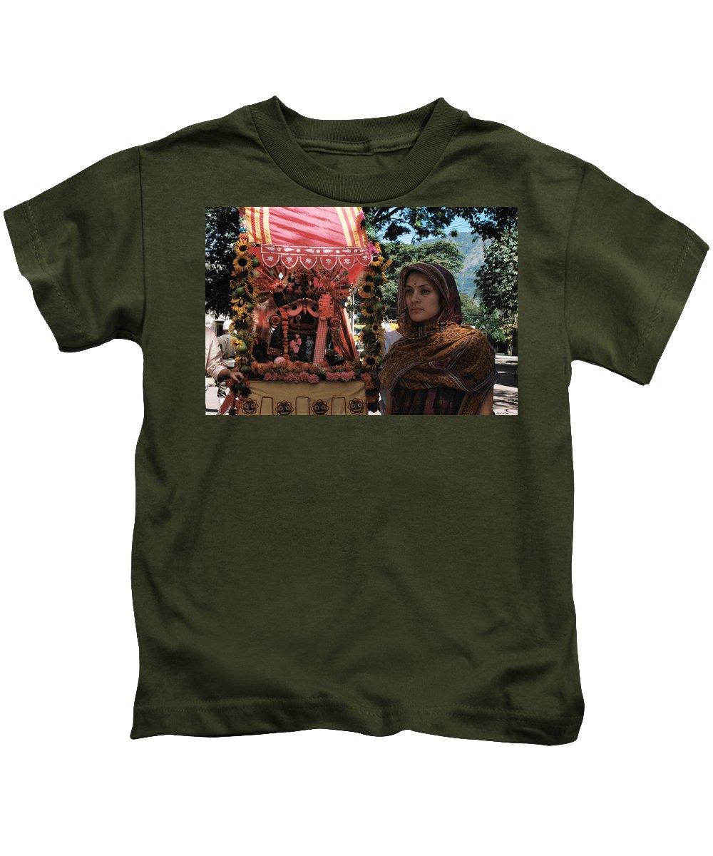 Ratha Yatra Kids T-Shirt featuring the photograph Aide-de-camp by David Cardona