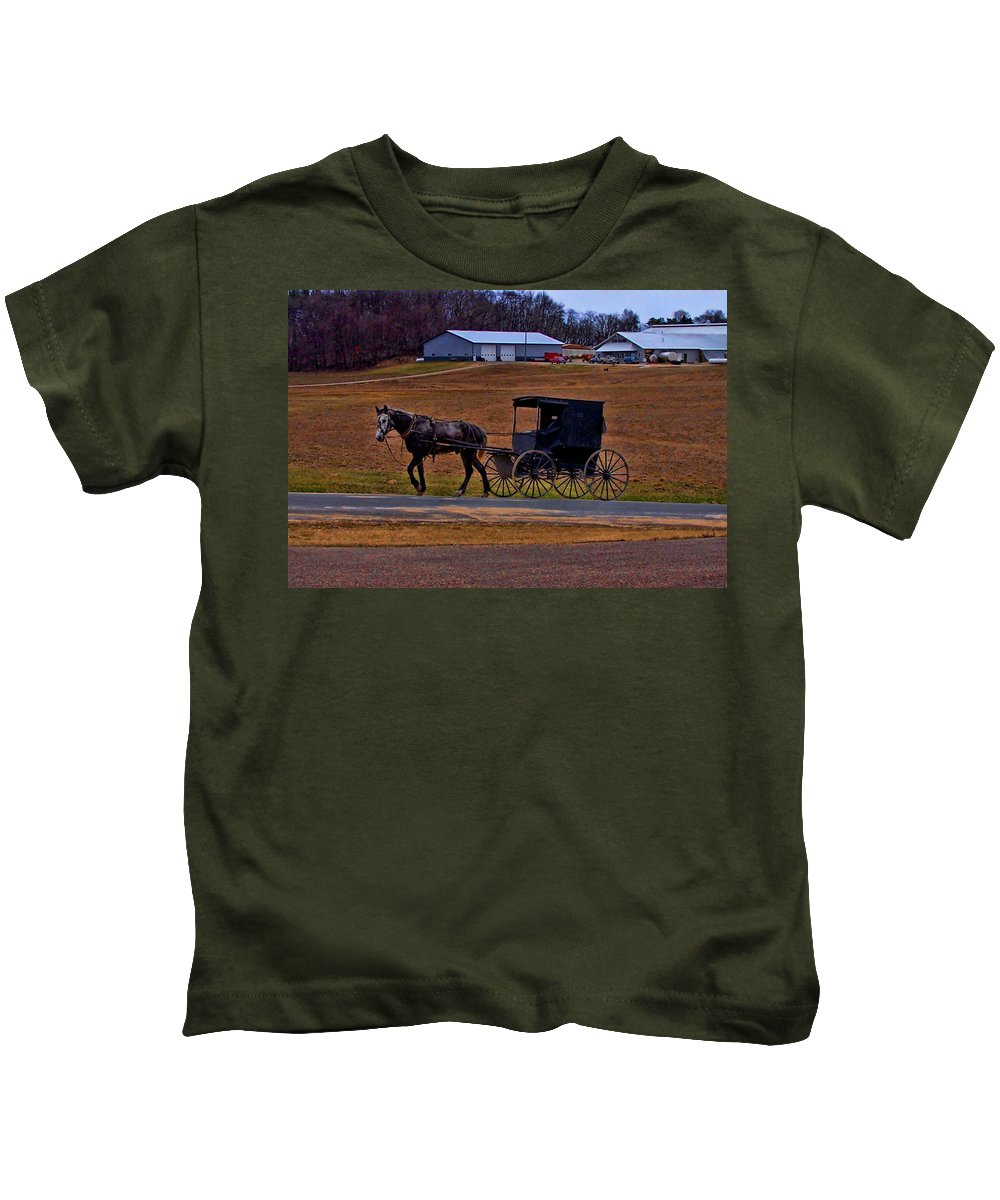 Wisconsin Kids T-Shirt featuring the photograph Amish Buggy by Tommy Anderson