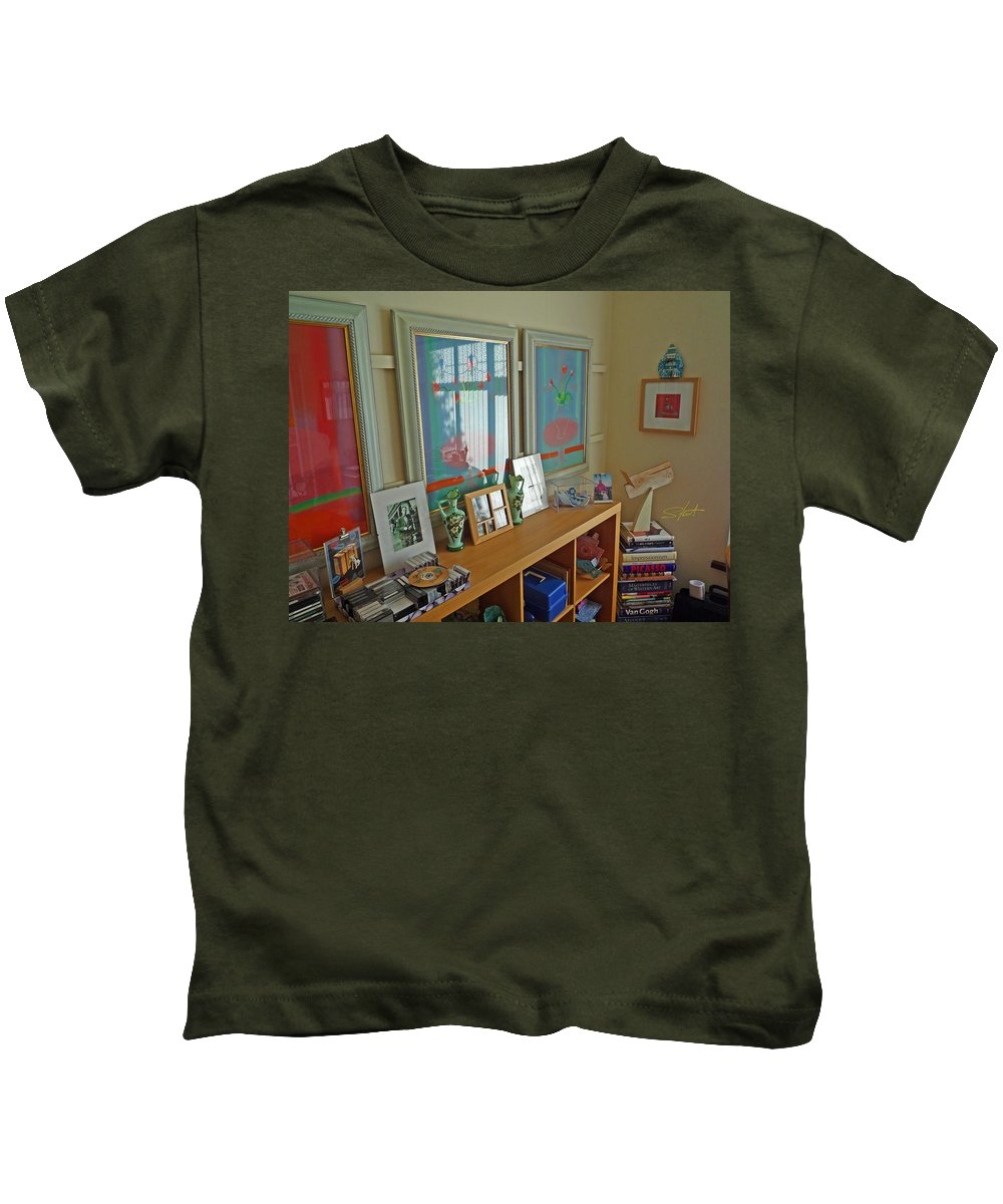 Artists Studio Kids T-Shirt featuring the photograph Art Gallery by Charles Stuart