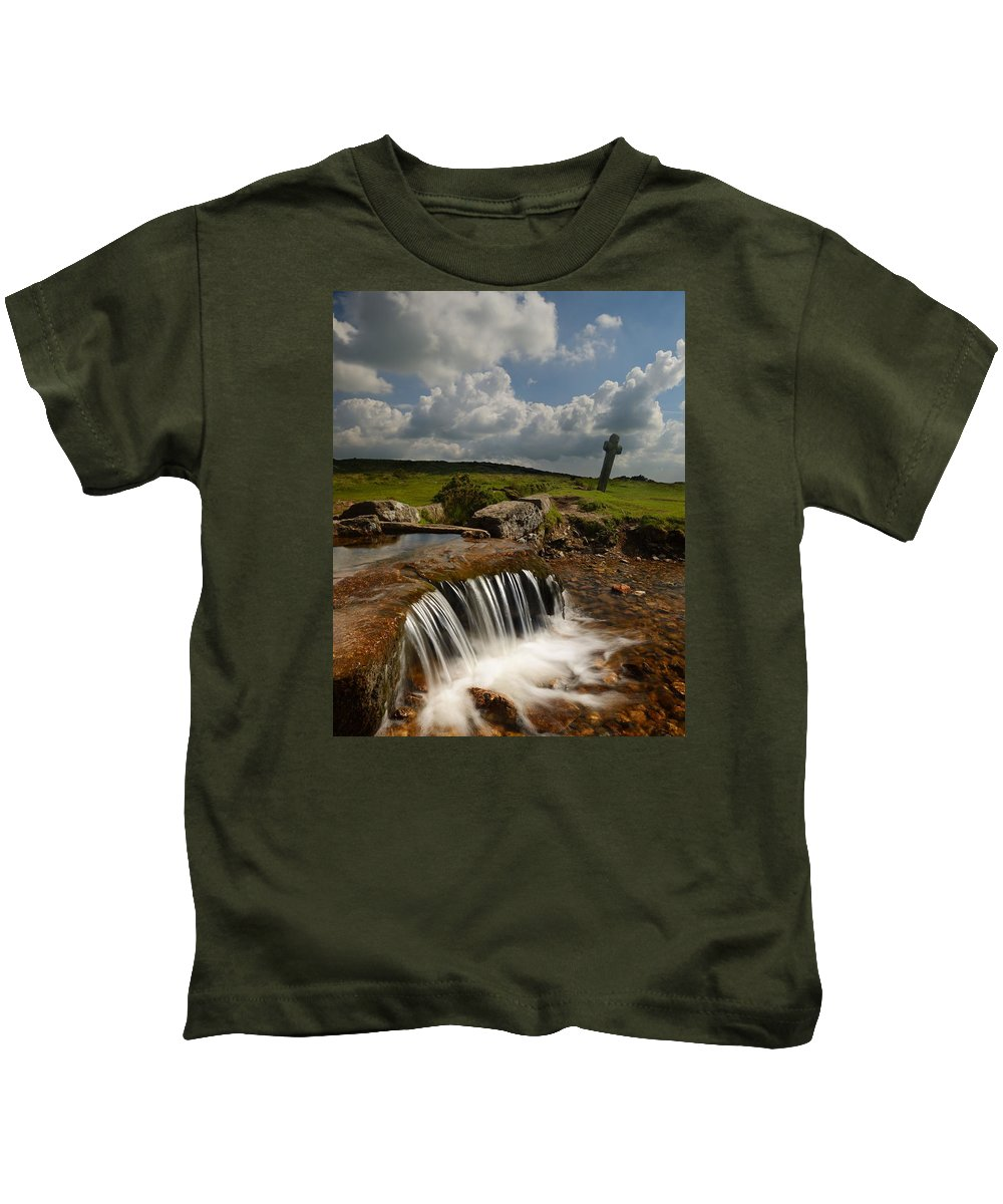 Beckamoor Cross Kids T-Shirt featuring the photograph Beckamoor Cross by Giovanni Giuliano