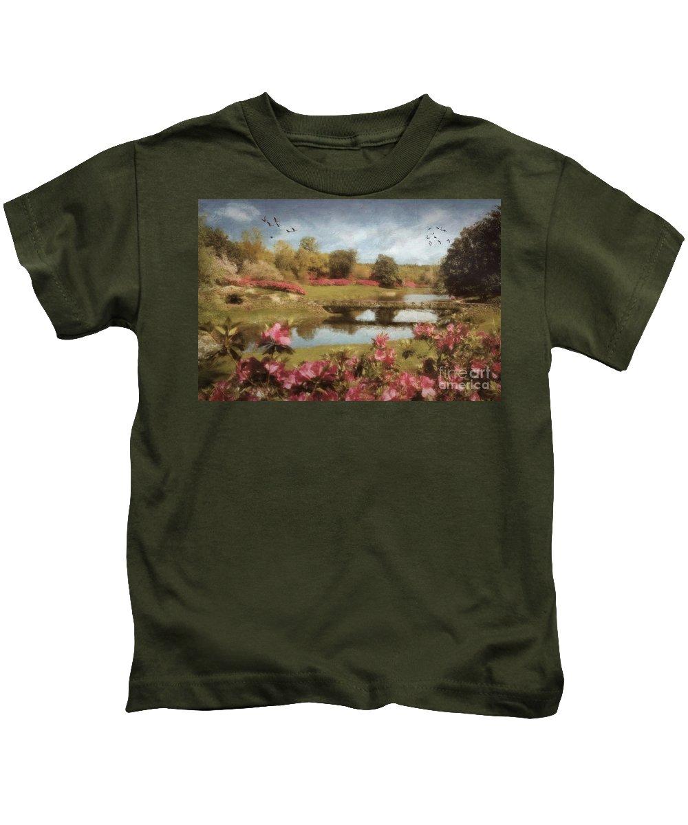 Bellingrath Kids T-Shirt featuring the digital art Bellingrath Gardens by Lianne Schneider