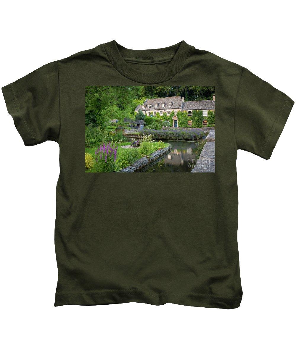 Bibury Kids T-Shirt featuring the photograph Bibury Hotel by Brian Jannsen
