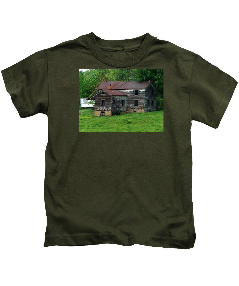 Oldhouse Kids T-Shirt featuring the photograph Birds On Chimneys by J R  Seymour