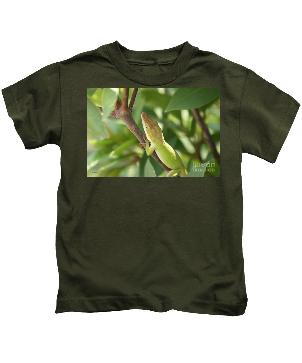 Lizard Kids T-Shirt featuring the photograph Blusing Lizard by Shelley Jones