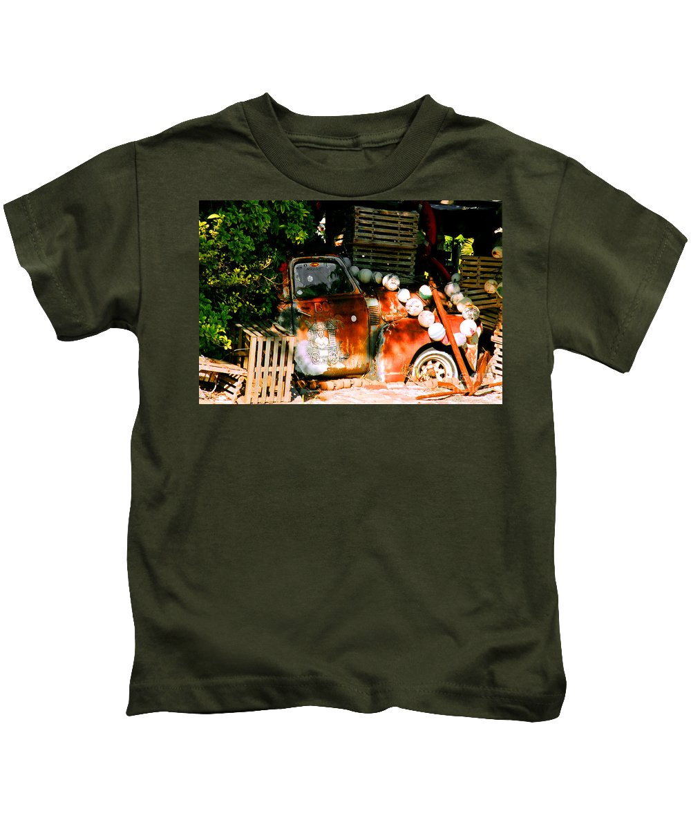 Restaurant Kids T-Shirt featuring the photograph B.o.'s Fish Wagon In Key West by Susanne Van Hulst