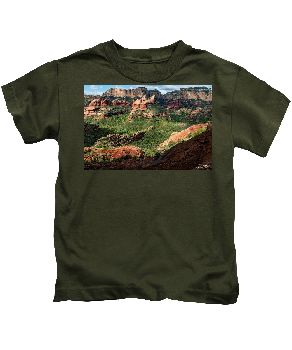 Arizona Kids T-Shirt featuring the photograph Boynton Canyon 05-942 by Scott McAllister