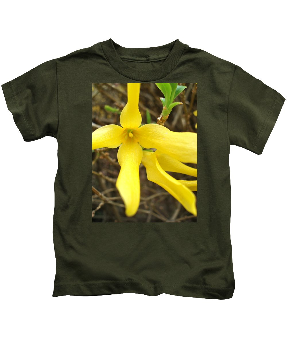 Flowers Kids T-Shirt featuring the photograph Breakout In Yellow 1 by Nelson F Martinez