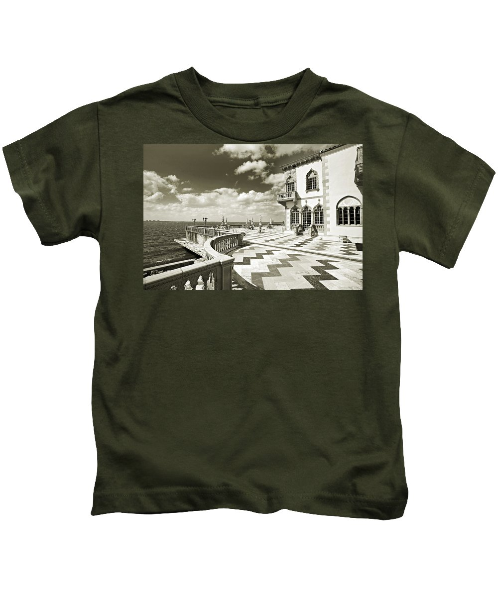 Ringling Kids T-Shirt featuring the photograph Ca D'zan Mansion by Mal Bray