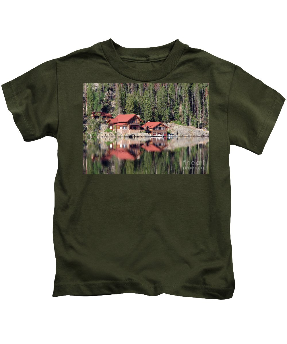 Cabin Kids T-Shirt featuring the photograph Cabin by Amanda Barcon