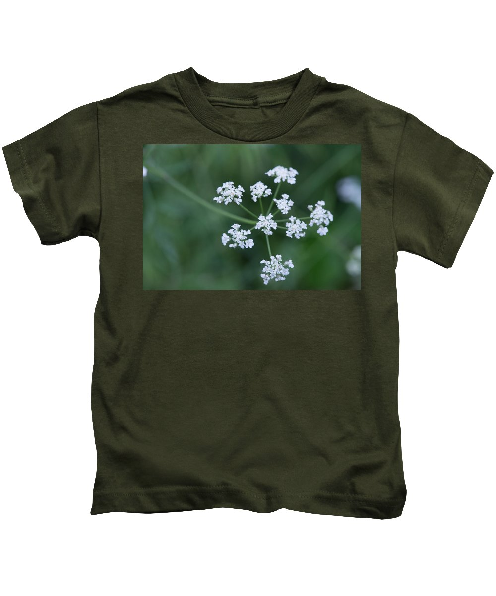 Cedar Park Kids T-Shirt featuring the photograph Cedar Park Texas Hedge Parsley by JG Thompson