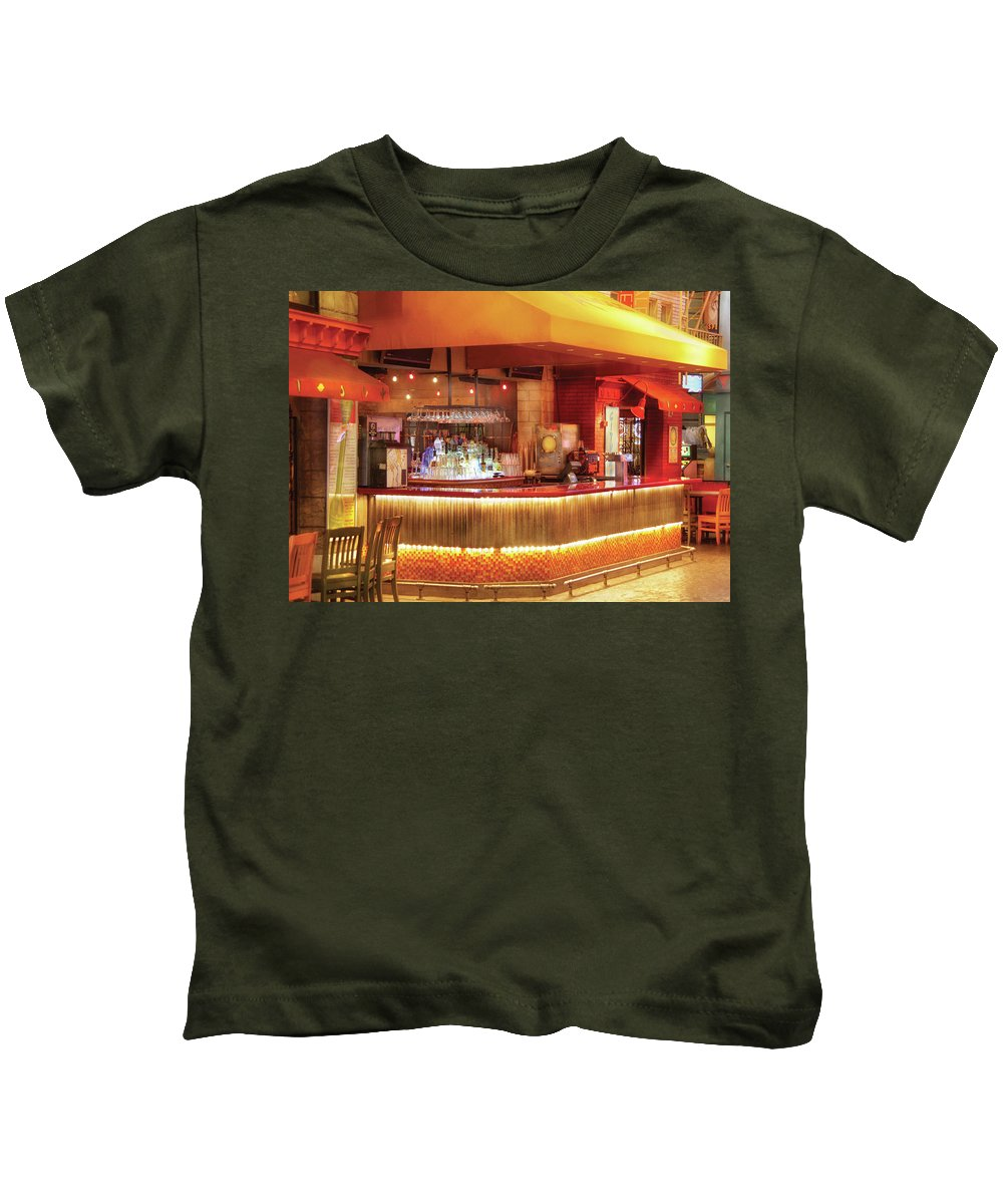 Savad Kids T-Shirt featuring the photograph City - Vegas - Ny - The City Bar by Mike Savad