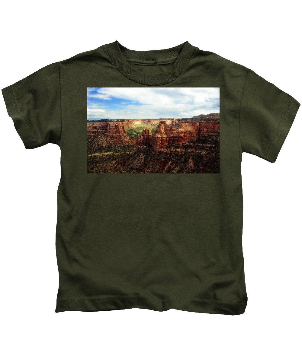 Americana Kids T-Shirt featuring the photograph Colorado National Monument by Marilyn Hunt