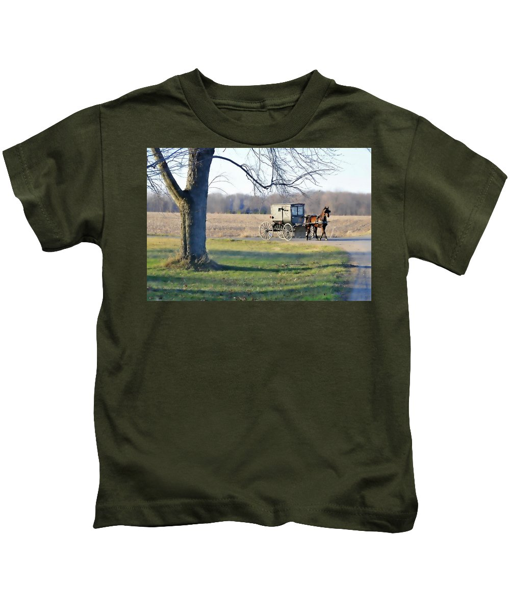 Amish Kids T-Shirt featuring the photograph Coming Home by David Arment