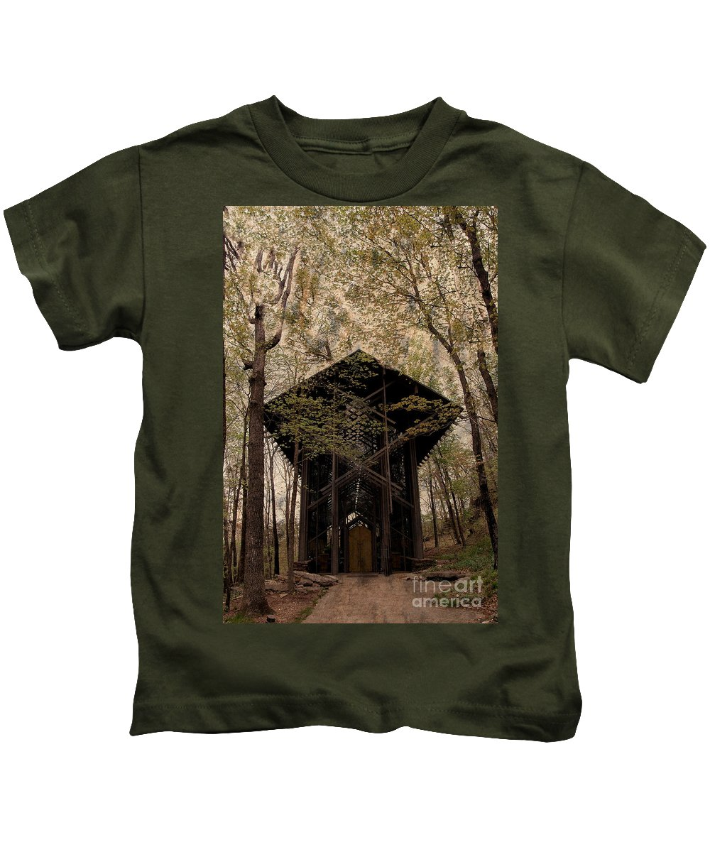 Chapel Kids T-Shirt featuring the photograph Crown Of Thorns Chapel by Kathleen Struckle