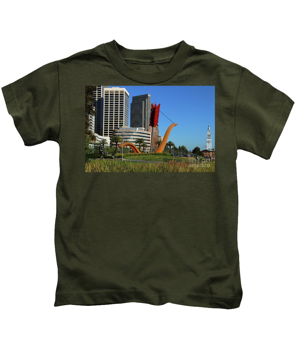 San Francisco Kids T-Shirt featuring the photograph Cupid's Span At The Bay by Christiane Schulze Art And Photography