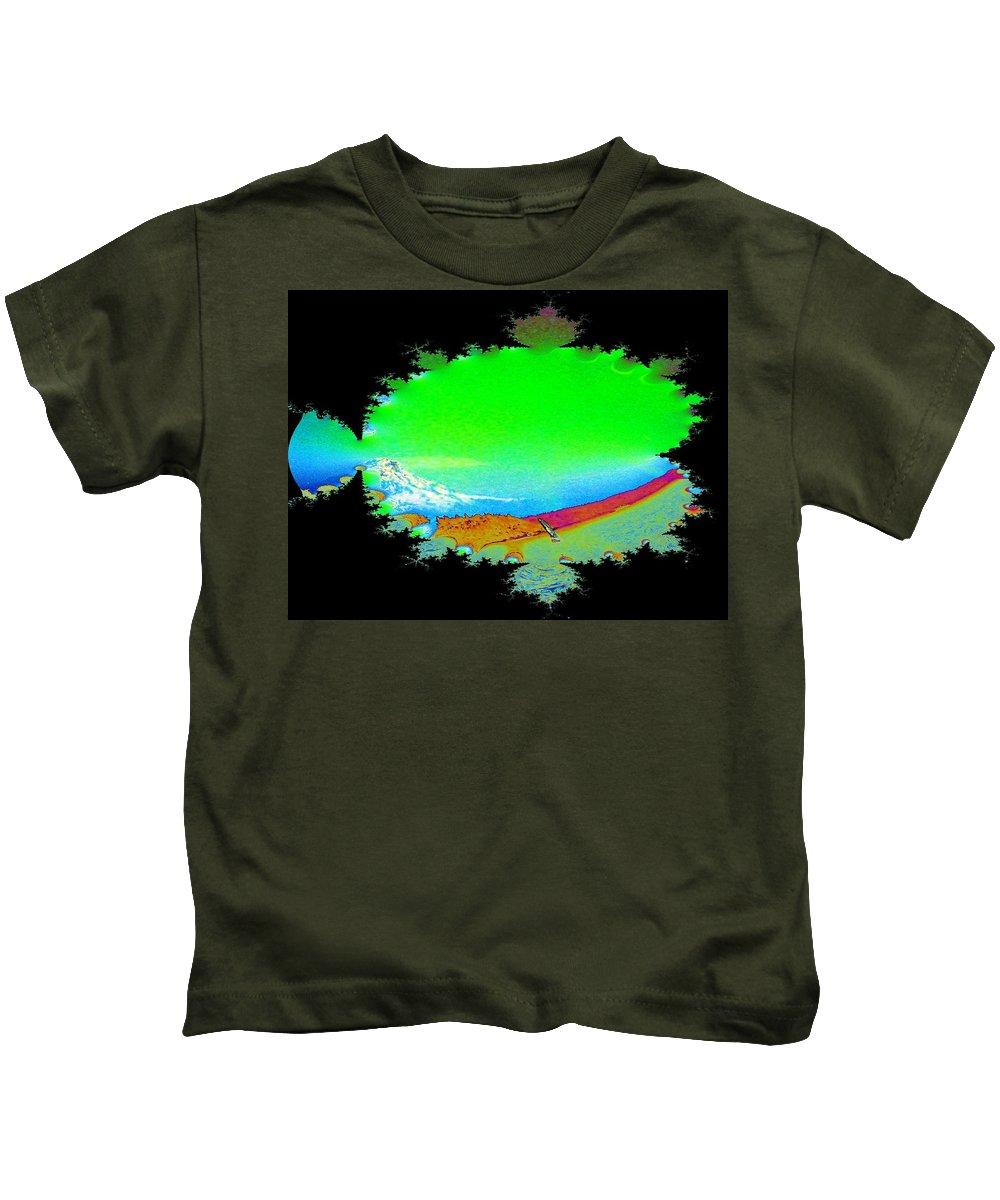 Washington Kids T-Shirt featuring the digital art Da Mountain Sail In Fractal by Tim Allen